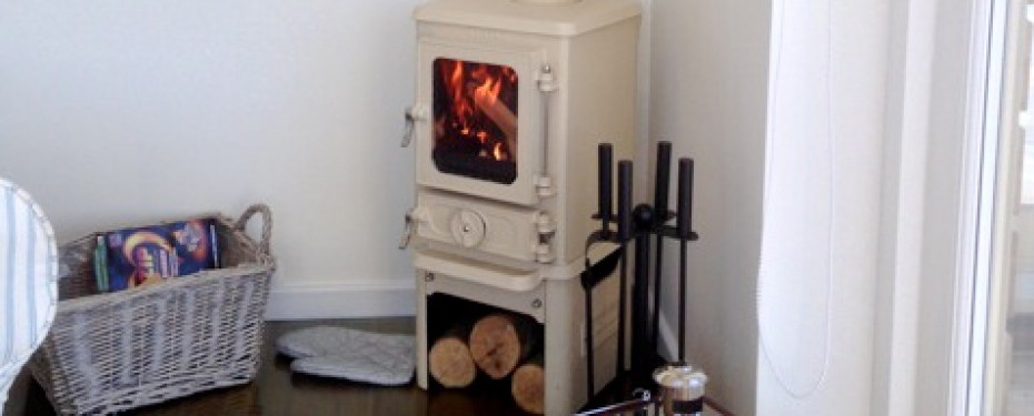 Small stoves-for garden rooms hobbit stove 04
