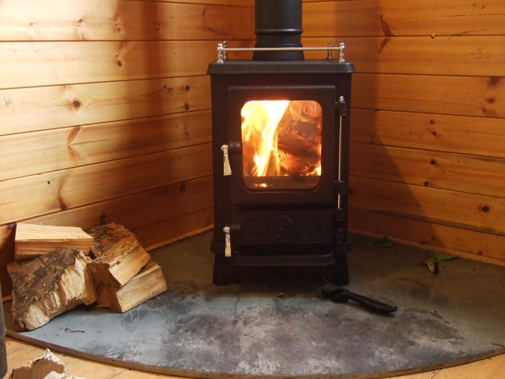 Shepherds huts salamander stoves for Salamander stoves