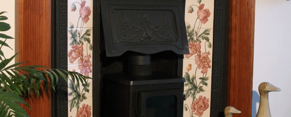 Small Woodburning Stove 15 efit hood hobbit stove
