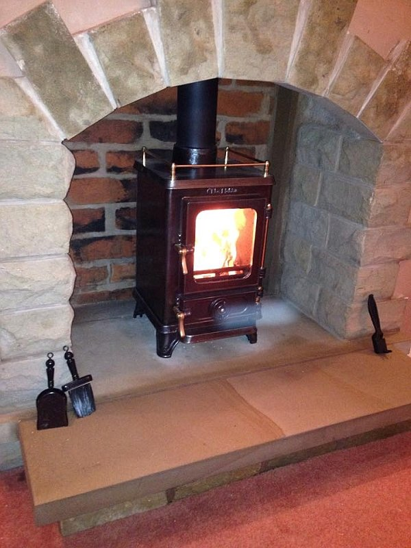 Facebook customer small stoves in small space fireplaces with the hobbit stove - Stoves for small spaces gallery ...