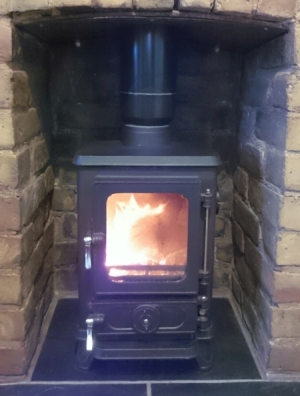Small wood burning stoves and woodburners defra approved for Salamander stoves