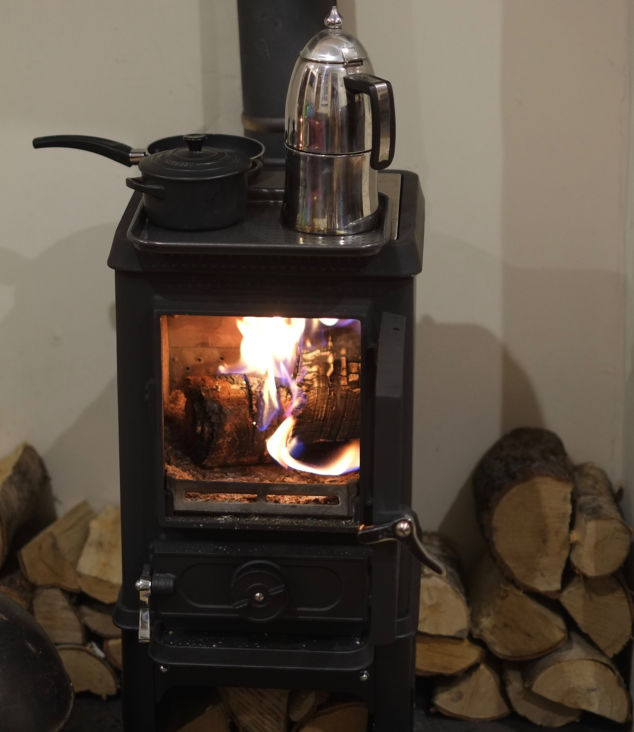 Tiny wood stove cooking for Salamander stoves