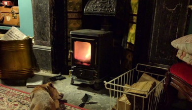 Getting ready for winter with the small hobbit stove