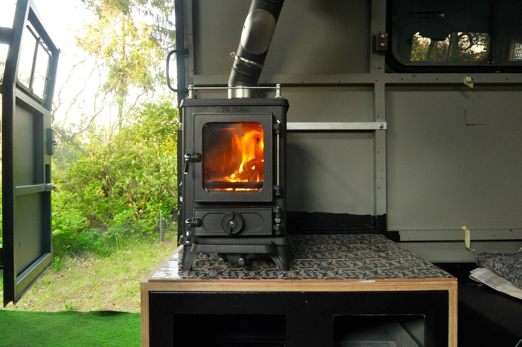 Fitting a stove in a vehicle for Salamander stoves