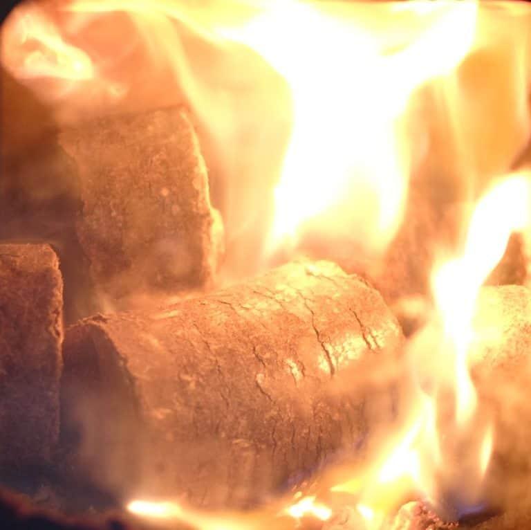 Hotmax Fuel Logs 10kg bag. Online Woodfuel Review No.1.