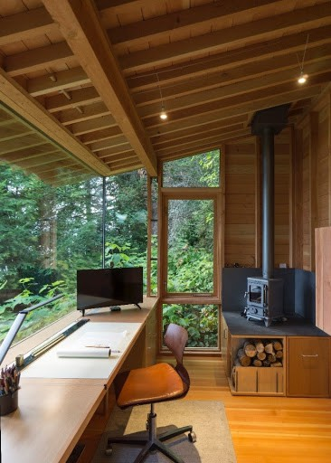 small-stove-in-a-cabin-designed-by-cutler-anderson-1